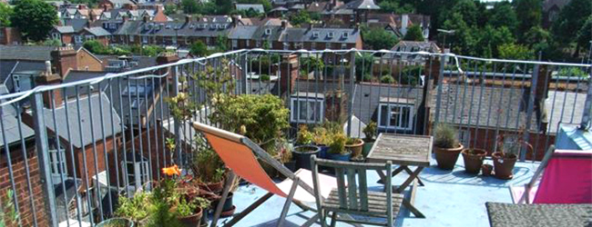 LISA-Study-Abroad-English-Exeter-accommodation-roof-terrace-summer-view
