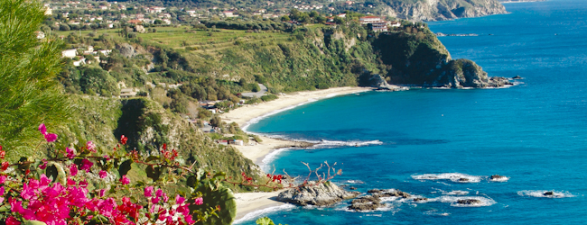 LISA! Language courses in Italy | 2 weeks of Italian in Tropea £959